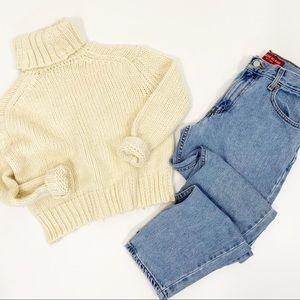 Vintage Levi's 550 Light Wash High Rise Mom Jeans